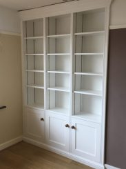 Fitted cabinet 16