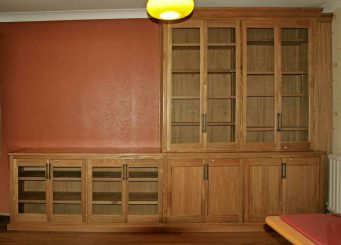 Fitted cabinet 33
