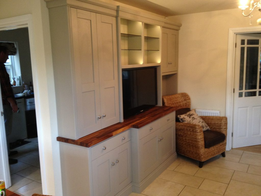 Fitted Cabinet 04b