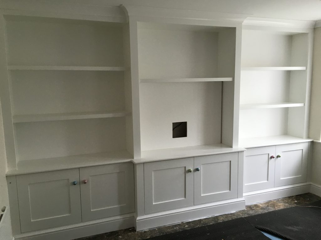 Fitted cabinet 11b