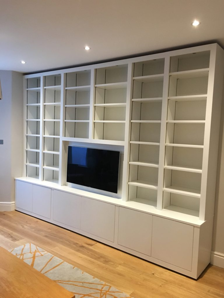 Fitted cabinet 18a
