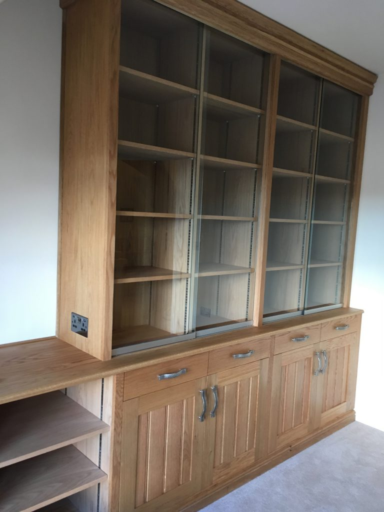 Fitted cabinet 22b