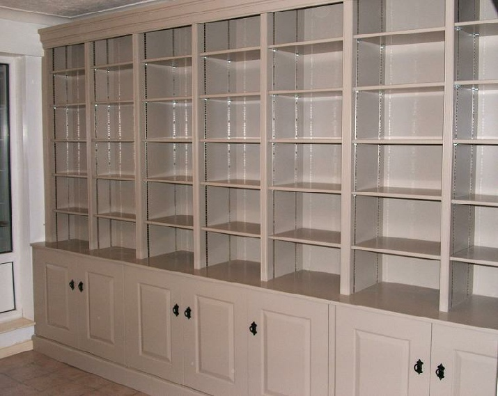 Fitted cabinet 31