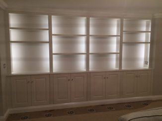 Fitted cabinet 10c